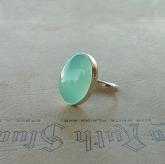 Anillo cocktail, anillo de Calcedonia Aqua, Oval Aqua Calcedonia piedra anillo, anillo de declaración