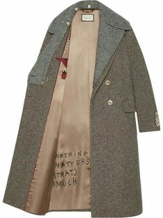 Single-Breasted Tweed Jacket with Sega Embroidery - Gucci Embroideries - Ideas of Gucci Embroideries - Gucci Sequin embroidered wool coat button on collar Gucci Embroideries Ideas of Gucci Embroideries Gucci Sequin embroidered wool coat button on collar Look Street Style, Fashion Details, Fashion Design, Mode Inspiration, Wool Coat, Wool Overcoat, Pulls, Casual, Winter Fashion