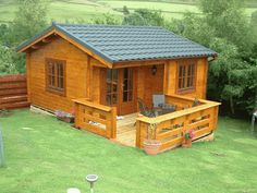 144 Small Log Cabin Homes Ideas – Jim Holman – Join the world of pin Small Log Cabin, Tiny Cabins, Tiny House Cabin, Little Cabin, Log Cabin Homes, Cabins And Cottages, Tiny House Plans, Tiny House Design, Small Modern Cabin
