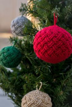 EyeLoveKnots: Celtic Weave Ornaments and the Pattern Pack Pro Issue 39