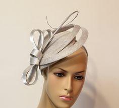20 fantastiche immagini su cappelli da sposa  4b519e4ff85f