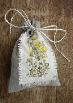 """Купить Льняной мешочек """"Пижма"""" с заплаткой - мешочек, мешочек для трав, деревенский стиль, подарок маме"""