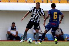 BotafogoDePrimeira: Roger espera jogar contra o Fla para chegar melhor...