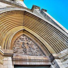 Ángulos hacia el cielo.  Catedral de Albacete #photography
