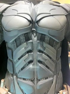 THE DARK KNIGHT RISES: Close Up Look At Bane, Batman And Catwoman's Costumes.