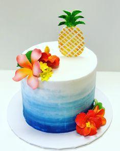 Hawaiian Party Cake, Hawaii Birthday Cake, 18th Birthday Cake, Cute Birthday Cakes, Luau Birthday, Hawaiian Birthday, Tropical Cupcakes, Popsicle Party, Retirement Cakes