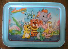i can still sing the theme tune! The Wuzzles vintage tv tray disney hasbro 1985 kids Metal Tv Trays, Vintage Tv Trays, Theme Tunes, Disney Christmas, Christmas Stuff, 80s Kids, Vintage Cartoon, Disney Toys, My Childhood Memories