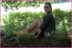 Rebeca Rodríguez de 'Any day is pretty' con zapatos Cuplé // Rebeca Rodríguez from 'Any day is pretty' with Cuplé yellow heels