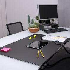 Office Desk Pad made of Burgundy Red leather with core от Eglooh