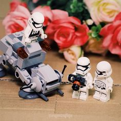 The troopers take this chance to prepare a special photoshoot to celebrating the #StarWarsDay how does the result turn out? Troomies seems pretty satisfied with the result - Stormtroopers Adventure S02E16  #tcb_BornToSlash #maythe4thbewithyou
