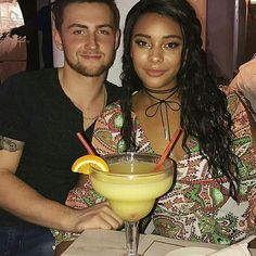 Gorgeous interracial couple not only sharing their love, but also a giant margarita! Mixed Couples, Couples In Love, Happy Couples, Black Woman White Man, Black Love, Biracial Couples, Interacial Couples, Interracial Family, Dating Black Women