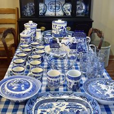 Happy Hump Day everyone!!! I was real busy last night unpacking all of my Blue Willow finds from my road trip-here's a peek at what's unwrapped so far Join me tomorrow from 6-8PM est. to claim - #bluewillow #blueandwhite #willow #vintagefinds #blueandwhiteforever