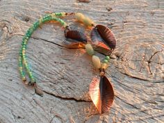 Copper necklace leaves and avventurine jade and di HandAndBeads, €35.00