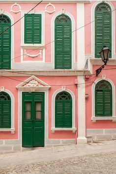 If you lived in this pink and green building you would be the HAPPIEST person on the planet.
