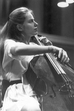 Jacqueline Du Pre!! Probably my fave cellist in the world!