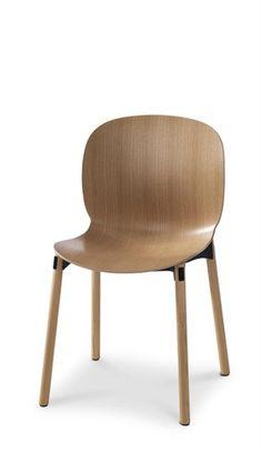 RBM Noor chair. Design: Form Us With Love, StokkeAustad, Susanne Grønlund/Grønlund Design og Scandinavian Business Seating design team.