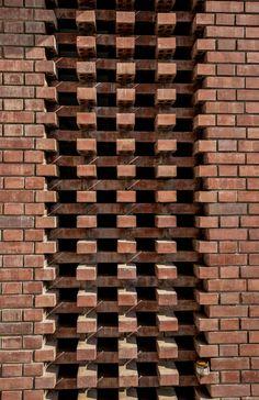 Image 8 of 33 from gallery of Brick Curtain Office / Firki Studio. Courtesy of Firki Studio Brick Architecture, Vernacular Architecture, Architecture Details, Brick House Designs, Brick Design, Masonry Work, Brick Masonry, Brick Cladding, Brickwork