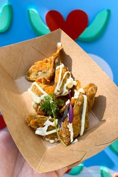 From Mickey-Shaped Macarons to the Carbonara Garlic Mac & Cheese, there are so many great bites and brews to discover at the Disney California Adventure Food and Wine Festival! Ghost Peppers, Disney California Adventure, Disney Dining, Wine Festival, Artichokes, Disney Food, Mac And Cheese, Wine Recipes, Macarons