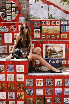 http://fashioncoolture.com.br/2013/01/07/look-du-jour-rio-de-janeiro-escadaria-selaron-lapa/