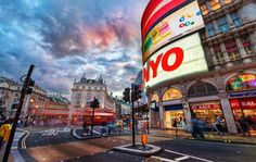 #Piccadilly_Circus...it's #London's #Times_Square. from #treyratcliff at www.StuckInCustom... - all images Creative Commons Noncommercial