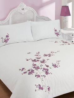 Luxury Bedding Sets On Sale Product Bed Cover Design, Bed Design, Bed Linen Sets, Comforter Sets, Bed Covers, Duvet Cover Sets, Bed Sheet Painting Design, Bed Sheet Curtains, Designer Bed Sheets