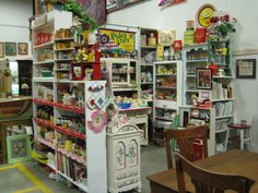 antique mall booth displays | Some Areas in Your Antique Booth Work Better Than Others