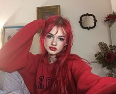 Image about girl in ❤ Hair ❤ by Someone on We Heart It Hair Color Purple, Hair Dye Colors, Brown Hair Colors, Pink Hair, Dyed Red Hair, Bright Red Hair, Red Hair Inspo, Dying My Hair, Aesthetic Hair