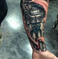 Tatuaje 3d Tattoos, Badass Tattoos, Skull Tattoos, Body Art Tattoos, Sleeve Tattoos, Cool Tattoos, Motocross Tattoo, Biomechanical Tattoo Design, Cyborg Tattoo
