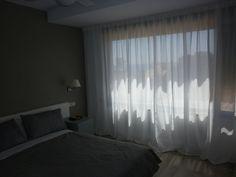 """Confeccionamos estas bonitas #cortinas """"a tablas"""" para una clienta que quería su característica onda, vistosa y a su vez, sutil gracias a liviandad del #tejido."""
