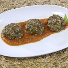 Eggplant Meatballs Recipe (no meat) Spanish Vegetarian Recipe, Vegan Vegetarian, Vegetarian Recipes, Healthy Recipes, Vegan Food, Eggplant Meatballs, Healthy Comfort Food, Healthy Food, Clean Diet