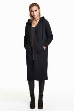 Long sweatshirt cardigan with a drawstring hood, front zip, side pockets, and raw edges. Pullover Hoodie, Sweater Hoodie, Gilet Long, Hoodies, Sweatshirts, Pulls, Autumn Winter Fashion, Duster Coat, Normcore