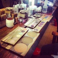 El mejor Kit, para un Maquillador Profesional con productos de uso responsable Four Square, Make Up, Kit, Shades, Pallets, Products, Makeup, Maquiagem