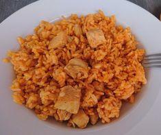 Egyszerű, gyors, de laktató fogásra vágysz? Akkor a következő recepteket neked találták ki! Nem csak isteni finomak és szuperegyszerűek, de vacsoráig garantáltan eltelítenek. Te melyiket készíted el először? Risotto, Grains, Food And Drink, Rice, Lunch, Chicken, Meat, Ethnic Recipes, Eat Lunch