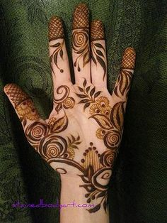 Stained - henna artist in Tampa Florida for bridal mehndi , henna tattoo , and henna design ebooks for the henna community. Palm Henna Designs, Eid Mehndi Designs, Bridal Henna Designs, Mehndi Designs For Fingers, Beautiful Henna Designs, Beautiful Mehndi, Henna Tattoo Designs, Arabian Mehndi Design, Khafif Mehndi Design