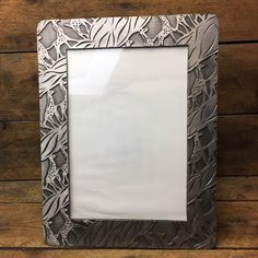 """Pewter Giraffe Textured Picture Frame - holds 5"""" x 7"""" photo"""
