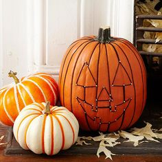 Jack-O-Lantern Face Pumpkin and many other easy and creative pumpkin ideas