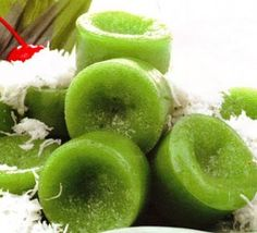 Resep Kue lumpang Asian Snacks, Asian Desserts, Sweet Desserts, Asian Recipes, Indonesian Desserts, Indonesian Cuisine, Savoury Finger Food, Malay Food, Asian Kitchen