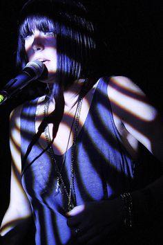 Phantogram. (Sarah Barthel) by Aarch_, via Flickr                                                                                                                                                           Phantogram. (Sarah Barthel)                   ..