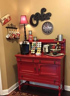 70 creative coffee bar ideas for your comfortable home 17 Coffee Bar Station, Home Coffee Stations, Beverage Stations, Coffee Bars In Kitchen, Coffee Bar Home, Coffee Nook, Coffee Corner, Coin Café, Family Bar