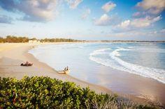 7 Traumziele fürs kleine Budget #refinery29  http://www.refinery29.de/2015/08/126865/traumziele-fuers-kleine-budget#slide-5  Tofo Beach, MosambikWem der Sinn nach Sonne, Meer und Traumstrand steht, schaut am besten am Tofo Beach in Mosambik vorbei. Mit dem Flugzeug geht es zunächst nach Inhambane und nach einer 30-minütigen Bustour durch die wunderschöne Küstenlandschaft Tofos wartet schon der Strand der Träume. Hier kann man sich den frisch gefangenen Fisch der einheimischen Fischer…