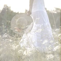 walking in a field of queen anne's lace Picnic At Hanging Rock, Field Of Dreams, Spiritus, Queen Annes Lace, Just Dream, Dream Live, White Cottage, Perfume, Country Girls