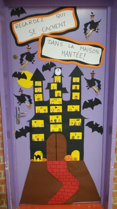 Décoration porte halloween Deco Porte Halloween, Chic Halloween, Halloween Crafts For Kids, Halloween House, Halloween Cartoons, Halloween Door Decorations, Baby Art, Classroom Decor, Art Projects