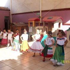 Bailable folklórico mexicano, ¡divinas!
