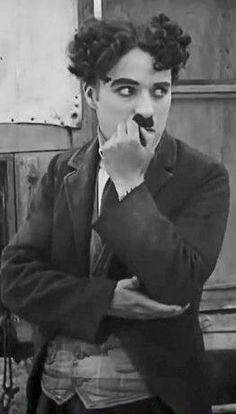 Charlie Chaplin, a legend of the cinema Vevey, Charlie Chaplin, Silent Film Stars, Movie Stars, Classic Hollywood, Old Hollywood, Betty Boop, Celebridades Fashion, Charles Spencer Chaplin