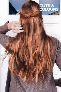 Instantly get longer and thicker hair with Strawberry Blonde clip-in Luxy Hair extensions! Red and gold undertones come together in perfect harmony in the Strawberry Blonde shade, creating a beautiful Strawberry Blonde Hair Color, Red Hair Color, Hair Color Balayage, Brown Hair Colors, Hair Highlights, Strawberry Brown Hair, Auburn Balayage, Honey Balayage, Bayalage