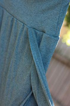 Diy Birthing skirt tutorial...For birthing skirt use swimming suit type material.