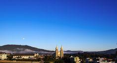 Manhã de céu claro após uma noite muita fria