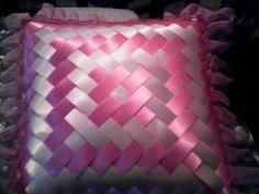 Smocking Tutorial, Smocking Patterns, Weaving Patterns, Ribbon Art, Ribbon Crafts, Bridal Wine Glasses, Band Kunst, Fabric Origami, Weaving Projects