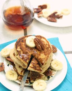 The Perfect Whole Wheat Pancakes (Foodie Fiasco) Whole Wheat Pancakes, Pancakes And Waffles, Skinny Pancakes, Pancake Muffins, Low Calorie Recipes, Vegan Recipes, Cooking Recipes, What's For Breakfast, Breakfast Recipes