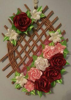 Diy Lace Ribbon Flowers, Beaded Flowers Patterns, Ribbon Flower Tutorial, Ribbon Art, Diy Ribbon, Ribbon Crafts, Flower Crafts, Fabric Flowers, Paper Flowers
